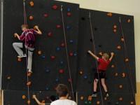 Unsere Kletter-AG an der Schuleigenen Wand